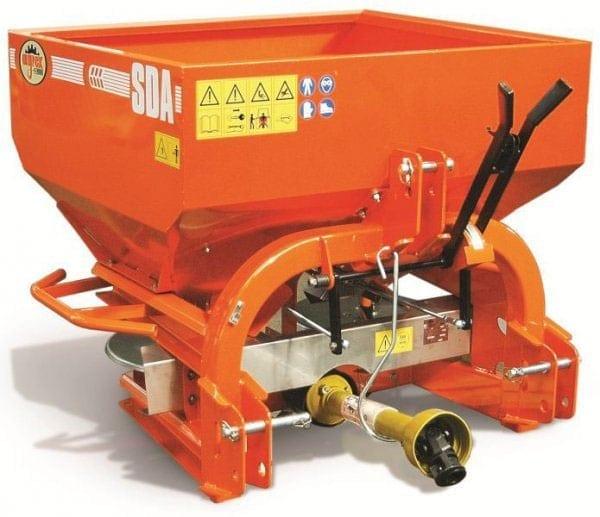 1.-agrex-sda-vineyard-orchard-spreader