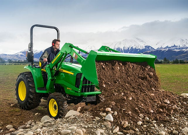 winter-service-related-compact-tractor